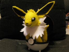 Jolteon Plush by Vulpes-Canis