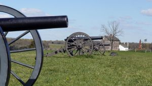 Manassas Battlefield Cannon Line by shelbs2
