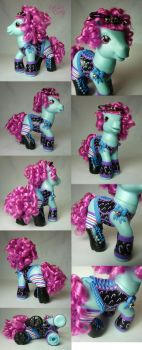 Candy Curls the corset Christmas custom by Woosie
