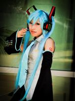 2009 Anime Expo Hatsune Miku Vocaloid Cosplay by CosplayMedia