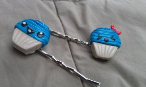 BlueBerry Babies Cupcake Bobby Pin Set by Gynecology
