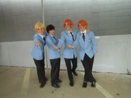 Tamaki, Haruhi, and the Hitachiin Brothers cosplay by Blodyrose
