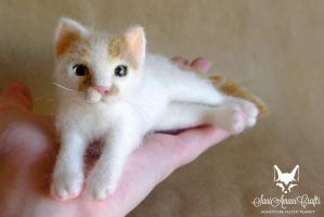 Needle felted cat by SaniAmaniCrafts