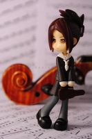 Violinist Sumire by Hyzave