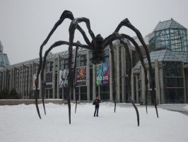 Maman is LARGE by EccentricArrow