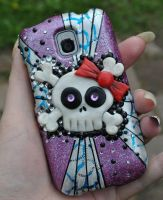 Girly Skull cell phone case decoration by MadamLuck