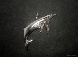 Humpback pendant by Dans-Magic