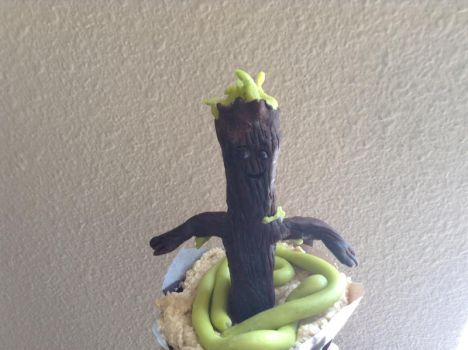 Dancing Groot Cupcake by zaythar