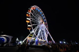 Ferris Wheel at le mans 2008 by bob-in-disguise