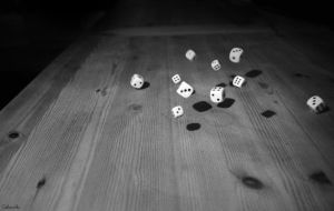 Falling dices by Gabweb