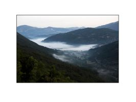 Mist in the Valley by PicTd
