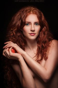 Red apple_2 by GreatQueenLina