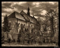 Lutomiersk monastery HDR 2 by grafzero