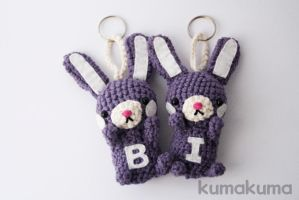 Amigurumi bunnies by kumakumashop