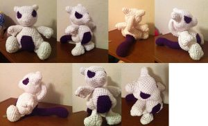 Mewtwo - Crochet Amigurumi by theunknownsoul