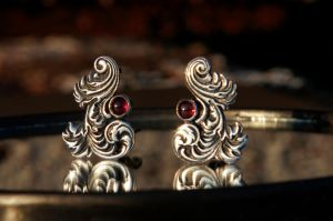 Silver engraved earrings with garnets by JackSunder