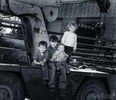 kids on a crane by scottchurch