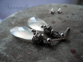Moonlight Chalcedony Earrings made of 999 and 925 by nurrgula