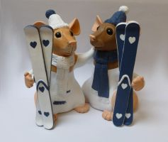 Skiing Themed Rat Wedding Cake Topper by philosophyfox