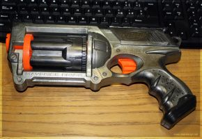 NERF Maverick custom paint by Meow-chi