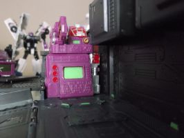 Shattered Glass Optimus Trailer Closer Inspection by forever-at-peace