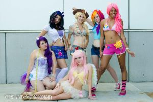 Flirty Fillies MLP canon pose Comikaze 2012 by xAleux