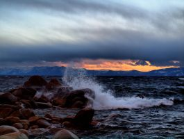 Waves and wind by MartinGollery