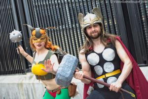 ConnectiCon 2014 - Thor and Hawkgirl by VideoGameStupid