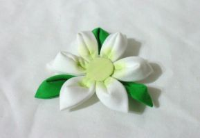 green and white lily clip by EruwaedhielElleth
