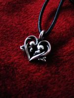 Heart pendant by flintlockprivateer