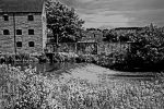 Weir in black and white by close101