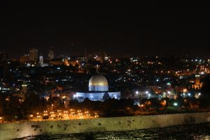 Jerushalem at night by picture-melanie