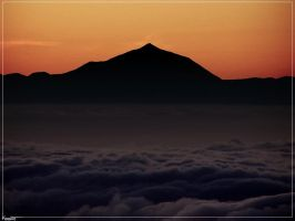 Night falls over Mount Teide by Kaslito