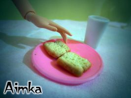 Miniature slice of bread by Aimka