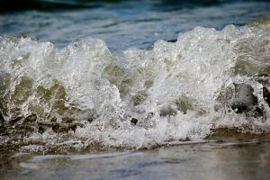 Waves by jenz182