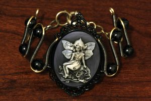 Steampunk Goth Jewelry - Bracelet - Pixie Cameo by CatherinetteRings