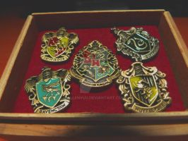 harry potter crests by AllenYuu