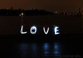lightpainting not a day without love by MT-Photografien