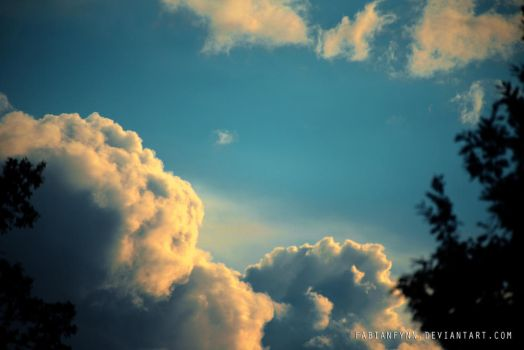 evening cloud by FabianFynn