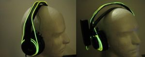 Misc. Project: Glow Headphones by Deckronomicon