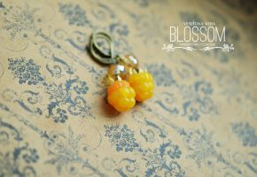 Cloudberry earrings. Polymer clay by BlossomHandmade
