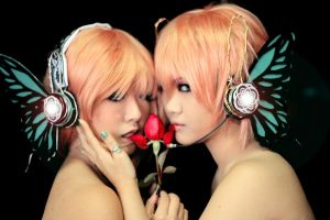 Vocaloid Magnet - Butterfly by Astellecia