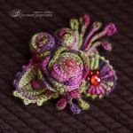 Crocheted brooch Autumn roses by Hitrinka