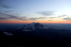 Mount Rainer by Tseng-Akera