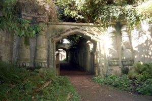 Highgate cemetery by Arrmand