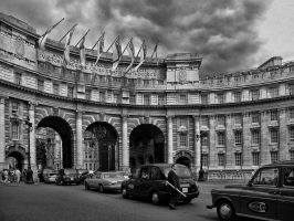 Admiralty Arch, London by MichelLalonde