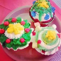 sweet cupcakes by Magickyg