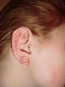 Copper earring by TheZomgKitty