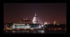 St. Paul's Cathedral by Night by keiross