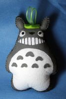 Totoro Peluches by violet-shadow7